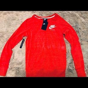 ♥️{N i k e} Red Gym Vintage Pullover Crew♥️